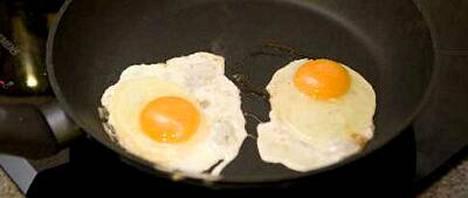Kananmuna ei olekaan suurimpia kolesterolin aiheuttajia uusimman tutkimuksen mukaan.