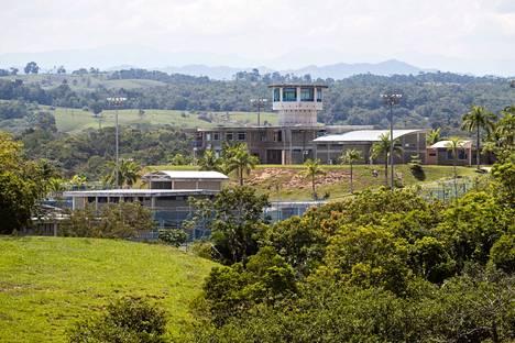 Ironisesti Pablo Escobarin valtavalla Hacienda Nápolesin kotitilan tontilla on nykyään myös vankila.