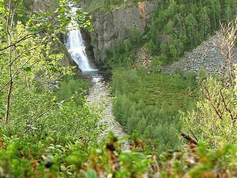 Fiellun putous on yksi Suomen kuuluisimmista vesiputouksista.