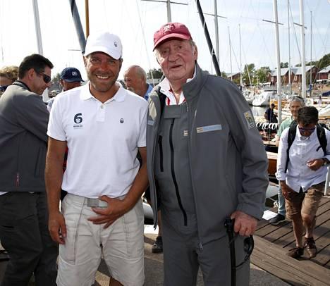 Suomen 6mR-liiton puheenjohtaja Ossi Paija kertoi, että emerituskuningas Juan Carlosin mukanaolo on tuonut lajille innostusta ja lisää harrastajia.