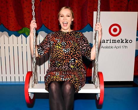 Myös Marimekon toimitusjohtaja Tiina Alahuhta-Kaskolla oli hauskaa.