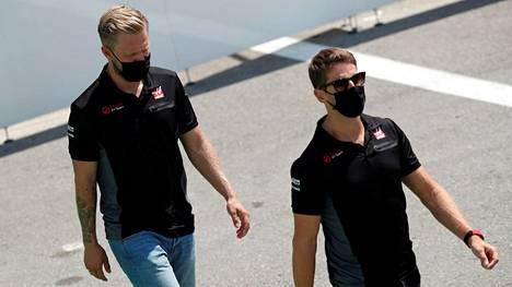 Romain Grosjean ja Kevin Magnussen jättävät Haas-tallin kuluvan kauden jälkeen.