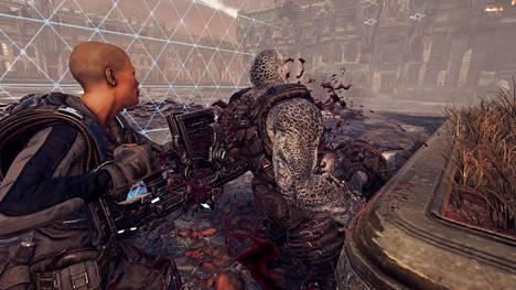 Vaikka peli kuvataan ylhäältä päin, veriset tapot laukaisevat hurmeisia animaatioita.