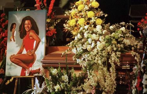 Griffith-Joyner kuoli 21. syyskuuta 1998, kymmenen vuotta olympiavoittojensa jälkeen.