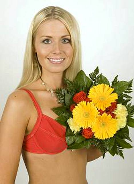 Missikiertueen yleisö valitsi Jaana Hakalan omaksi suosikikseen eilen Lappeenrassa.