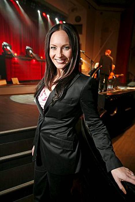Mari Kakko jättää Viihdeuutiset.
