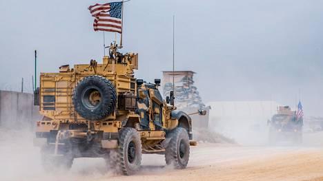 Amerikkalaisia sotilasajoneuvoja Syyriassa 16. lokakuuta.