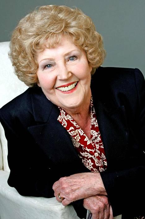 Emmerdalen jättävä Paula Tilbrook, 86, on yksi brittitelevision ikoneista.