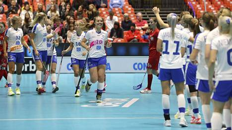 Suomen naisten pelit salibandyn MM-kisoissa jatkuvat torstaina.
