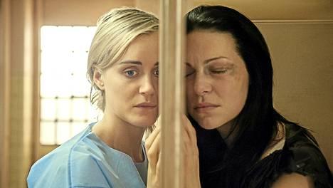 Piper (Taylor Chilling) ja Alex (Laura Prepon) pohtivat taas, vihatako vai rakastaako, luottaako vaiko pettää.