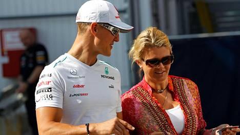 """Lähipiiristä tuttu viesti Michael Schumacherin 50-vuotispäivistä: """"Niitä vietetään, mutta..."""""""