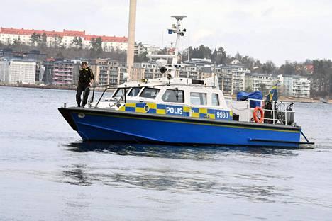 """Carl Adam """"Noppe"""" Lewenhauptia etsittiin Tukholman edustalta. Hänet löydettiin hukkuneena."""