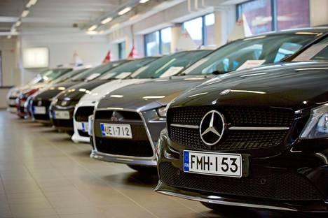 Tero Kallio kehottaa kuluttajia pohtimaan autokaupoilla yhä kahta peruskysymystä: miten paljon ja missä ajaa.