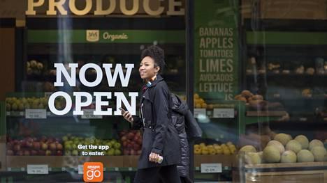 Amazonilla on jo fyysisiä kauppoja eri puolilla Yhdysvaltoja. Kuvassa Amazon Go -päivittäistavarapuoti Seattlessa.
