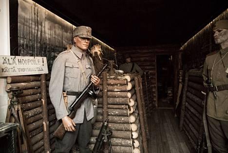 Sotavuosien esineistöön pääsee tutustumaan Kaarteen sotamuseossa.