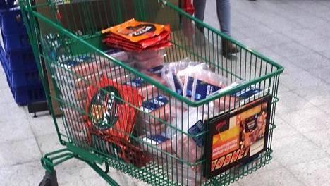 Jauhelihaa sai lauantaina vain 40 senttiä paketti.
