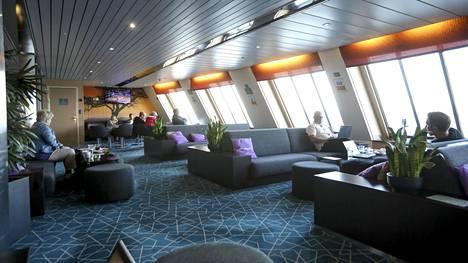 Matkustajaliikennettä Tallinnan-laivalla heinäkuussa 2020.