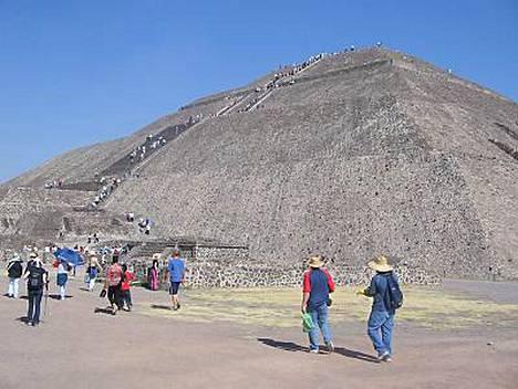 Teotihuacassa sijaitsevan temppelin laella uhrattiin teorioiden mukaan myös ihmisiä.