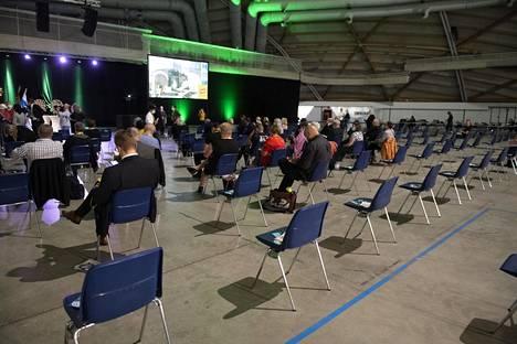 Keskustan puoluekokous järjestetään Oulussa ja 15 muulla paikkakunnalla. Kainuussa keskustalaiset äänestävät etänä maakunnan koronatilanteen vuoksi.