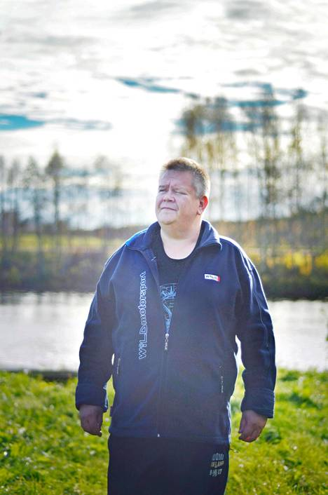 –En tunne itseäni viisikymppiseksi. Mieleltäni olen vielä nuori mies, 50 vuotta tänään täyttävä Aki Palsanmäki sanoo.