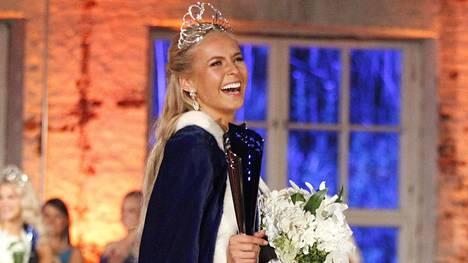 Alina Voronkova kruunattiin lauantaina Miss Suomeksi.