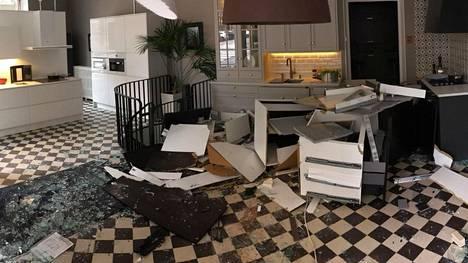 Myymälä kärsi isot vahingot.
