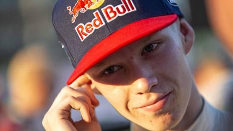Kalle Rovanperän pesti Toyotan rallitallissa varmistettiin.