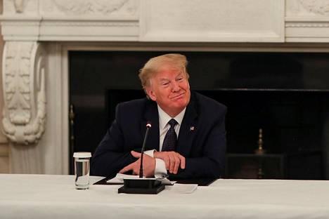 Yhdysvaltain presidentti Donald Trump kertoi ennaltaehkäisevistä lääkintätoimistaan maanantaina järjestetyssä lehdistötilaisuudessa.