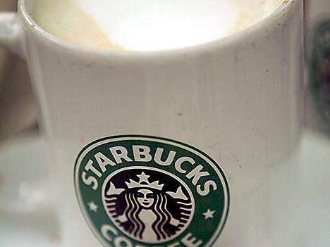 Ilmaiskahvitarjous lähti Starbucksilta lapasesta, kun juristit puuttuivat peliin.