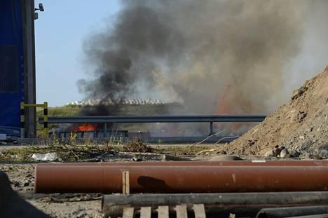 Tulipalo on syttynyt jätekeskuksella.