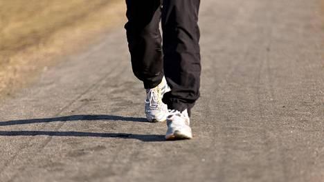 Monet juoksevat kuntoillakseen. Joskus on kuitenkin viisasta hieman kuntoilla juostakseen, esimerkiksi vahvistamalla jalkojen lihaksia.