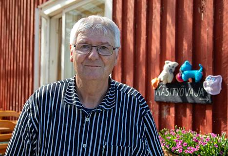 –Olemme huomanneet, että kahvilan on tärkeää olla auki joka päivä ja niin, että aukioloajat ovat samat, Tapio Sinkko sanoo.