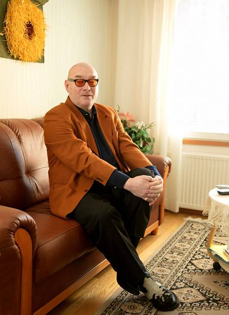 Kaksinkertainen tangoprinssi Henri Hurme asuu nykyisin maaseudun rauhassa Varsinais-Suomessa.
