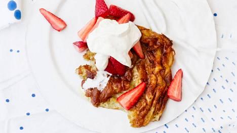 Pannari maistuu kesäpöydässä. Siitä voi tehdä niin makeita kuin suolaisiakin versioita.