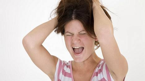 Teini-iässä ilmaantuva huutaminen ja ovien paiskominen voi yllättää vanhemmat. Kuvituskuva.
