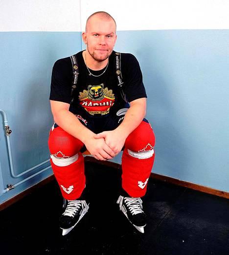 Jere Karalahti teki kaudella 1998-99 HIFK:n paidassa uransa toiseksi parhaat tehopisteet, 33 pistettä 49 ottelussa.