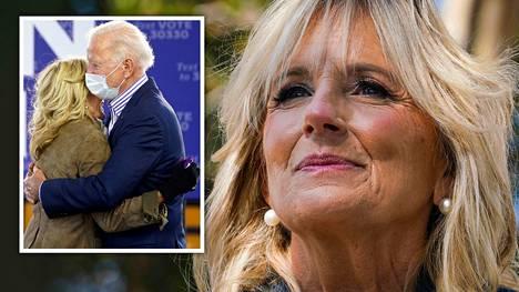 """Yhdysvaltojen pian virkavalansa vannova seuraava presidentti Joe Biden kutsuu itseään usein puolisonsa """"Jill Bidenin aviomieheksi"""". Parin rakkaus on kestänyt yli 40 vuotta."""