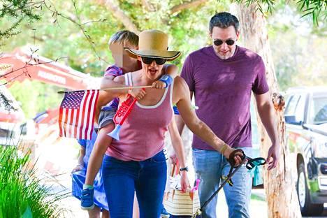 Jennifer ja Ben tulevat toimeen eron jälkeenkin. He juhlistivat Amerikan itsenäisyyspäivää yhdessä.