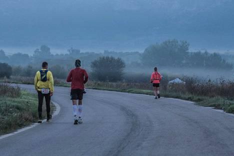 Aamu sarastaa klo 7.11, takana 189 kilometriä.