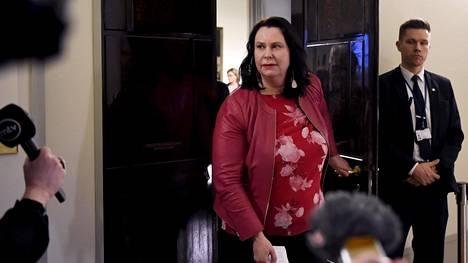 Perustuslakivaliokunnan puheenjohtajalla Johanna Ojala-Niemelällä on todettu aivokasvain.