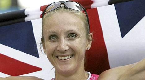 Paula Radcliffe potee selkäänsä.