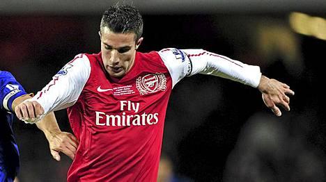 Robin van Persien Arsenal pyrkii kärkitaistoon.
