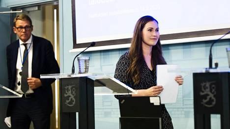 Valtiovarainministeri Matti Vanhanen ja pääministeri Sanna Marin tiedotustilaisuudessa hallituksen budjettiriihestä 16. syyskuuta.