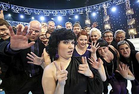 Suvi Teräsniskan Oulun kuorolla on eniten faneja Facebookissa.