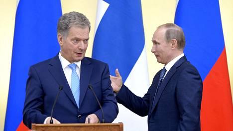 Kuva maaliskuulta 2016, kun presidentit Niinistö ja Putin tapasivat Moskovassa.