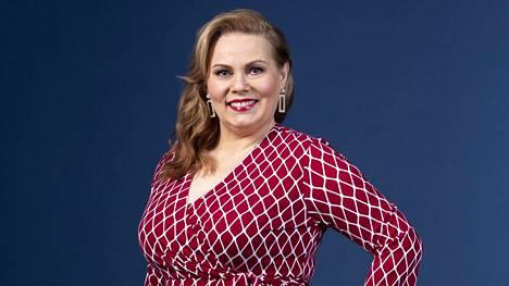 Nina Mikkonen on alkanut pohtia, voisiko rakastua vielä uudelleen.