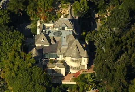 Johnny Deppin kartanokoti sijaitsee Hollywood Hillsin kaupunginosassa Los Angelesissa.