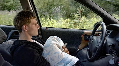 Dimitry sanoo auton olevan hänelle yhtä tärkeä paikka kuin oma koti.