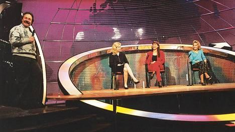 Alunperin Napakymppi nähtiin MTV:llä ja MTV3:lla vuosina 1985–2002.