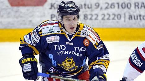 Aleksi Saarela on pelannut vahvan alkukauden Lukon paidassa ja sai kutsun A-maajoukkueeseen yli neljän vuoden tauon jälkeen.